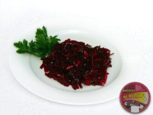 Rote Beete, Zwiebeln, Zusatzstoffe und Gewürze süß-sauer -  intensiv rubinrote Farbe, mit weißen Stückchen Äpfel und Zwiebeln ; süß-saurer Geschmack, leicht scharf