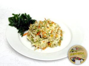 Chinakohl, Möhren, Pfirsich, Petersiliengrün, Porree, Zusatzstoffe und Gewürze  leicht süß – zarter, leicht süßer Salat mit spürbarem Geschmack von Pfirsich