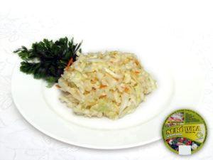 Weißkohl, Möhren, Selerie, Porree, Apfel, Zusatzstoffe und Gewürze  mild – milder, zarter Salat ohne deutlich bestimmten Geschmack
