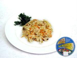 Weißkohl, Möhren, saure Gurke, Zwiebel, Apfel, Sellerie, Porree, Zusatzstoffe und Gewürze leicht sauer- leicht saurer Salat mit würziger Note